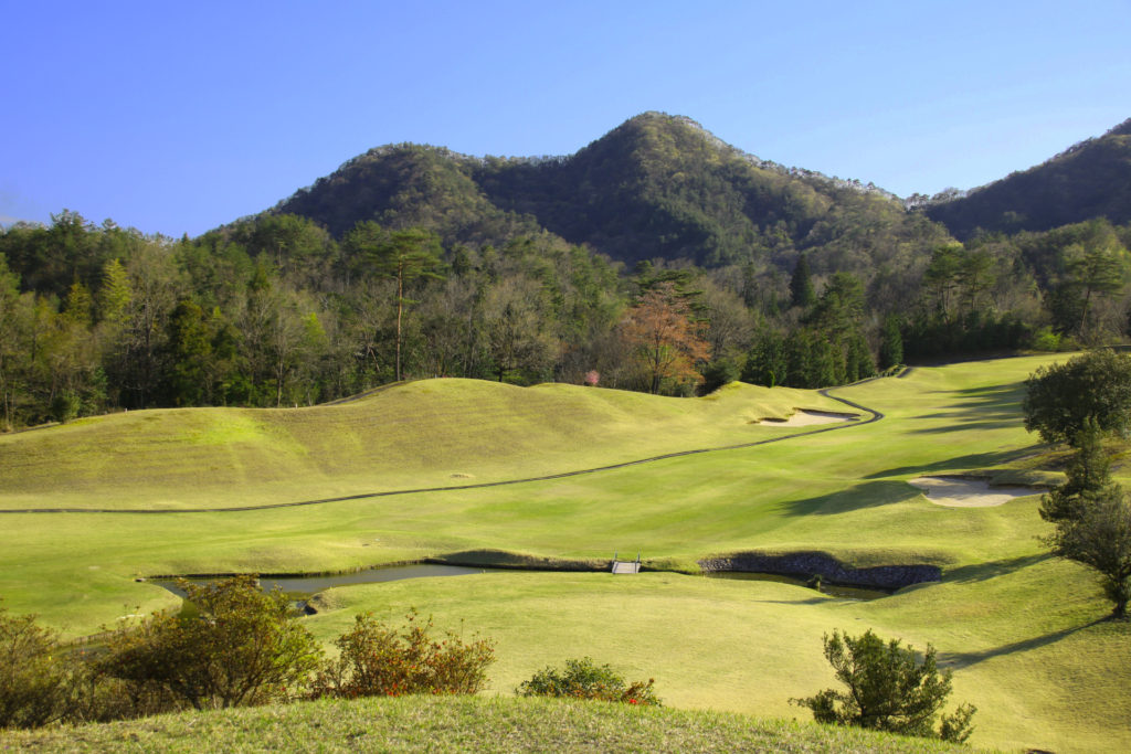 広島でゴルフを楽しむ広島佐伯カントリー倶楽部