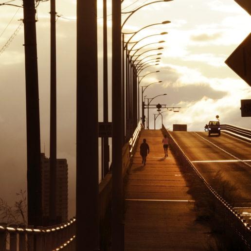 ランナーに人気のジョギングコース、ベタ踏み坂のはつかいち大橋