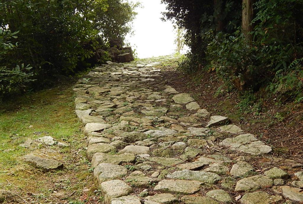 広島の歴史を語る西国街道は、歩いて感じる観光スポット